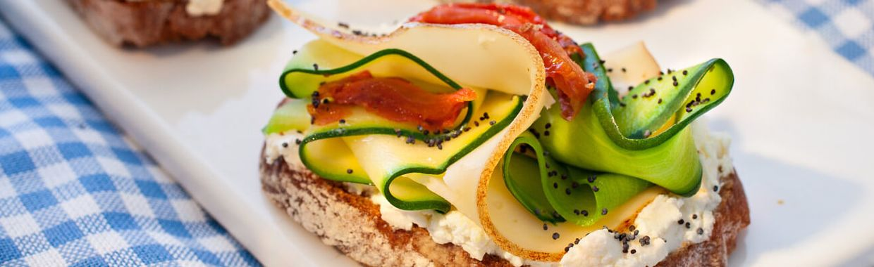 Recette Toast tomate, courgette et fromage - Recette au fromage