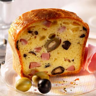 Recette : Cake jambon, olives et camembert - Recette au fromage